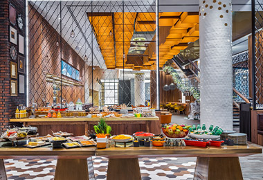 Buffet de desayuno continental en hotel