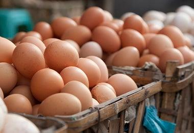 canastas con huevos
