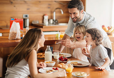 Desayuno casero en familia