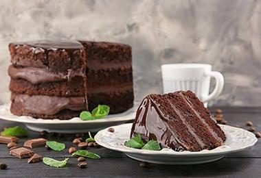 Torta de chocolate de tres pisos